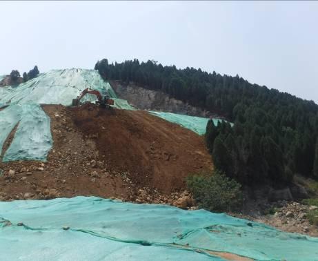 治理Ⅱ区渣石回填施工中