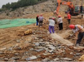 治理Ⅱ区 挡土墙基槽开挖、清理