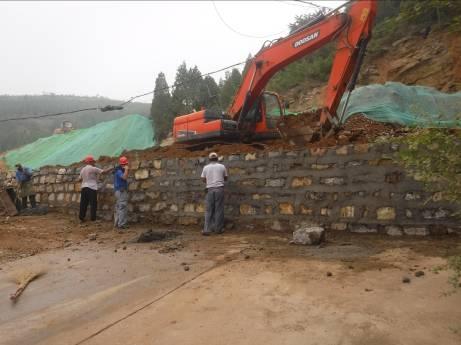 治理Ⅱ区 挡土墙水泥砂浆勾缝